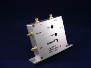 ISOMET AO(音響光学素子)ディフレクタードライバー600 Series
